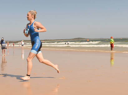 Make A Wish Australia Children's Charity - Team Wish as the Noosa tri on the beach